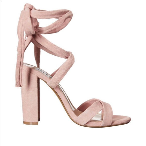 73eee4e4aa12 Light Pink Steve Madden Ankle Wrap Heels. M 5a6b75abc9fcdfb646be1b90